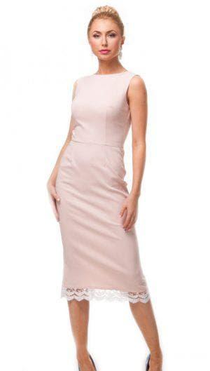 трикотажное платье с кружевом по низу бежевого цвета