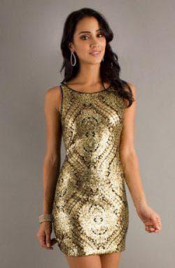 золотое платье в сочетании с чёрным